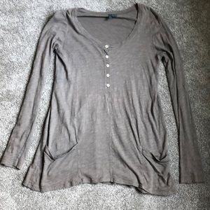 Gorgeous, loose henley